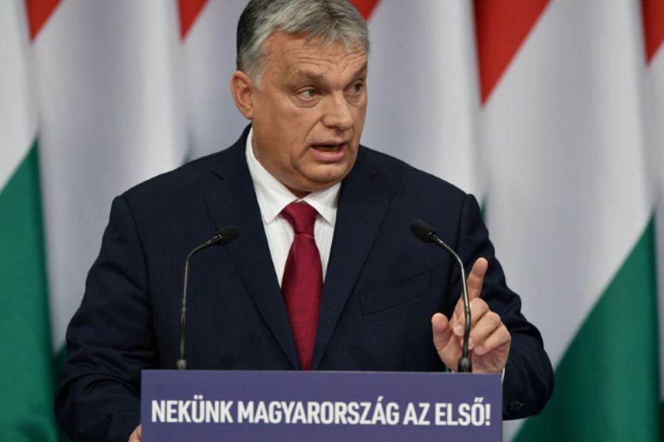 Autocrature-le-premier-ministre-hongrois-viktor-orban-lors-de-son-discours-annuel-sur-l-etat-de-la-nation-a-buda Libé