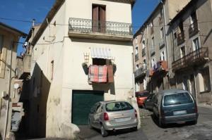 À quelques rues du coeur historique de Béziers, les arrêtés de Robert Ménard ont été sans effets. © M.T. / Mediapart