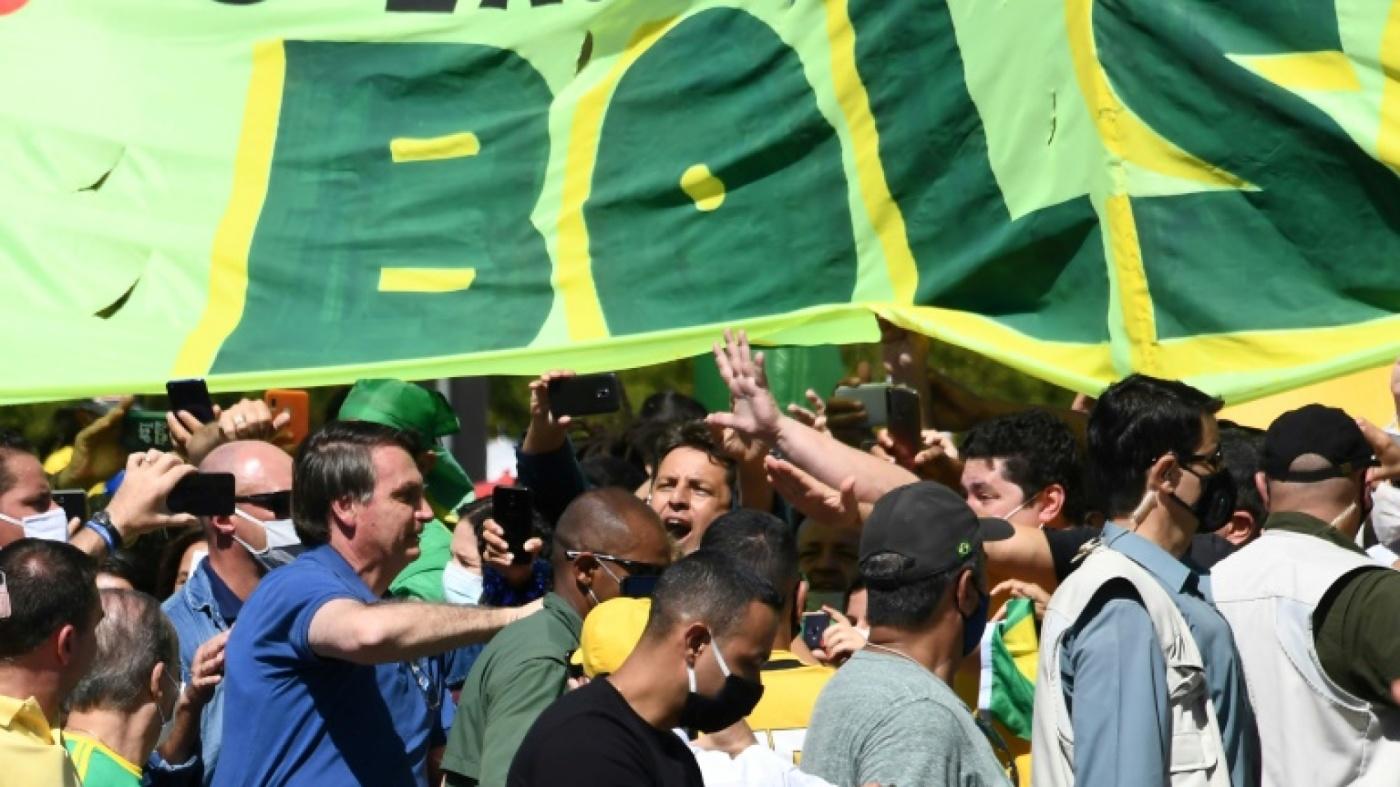Brésil Bolsonaro bain de foule