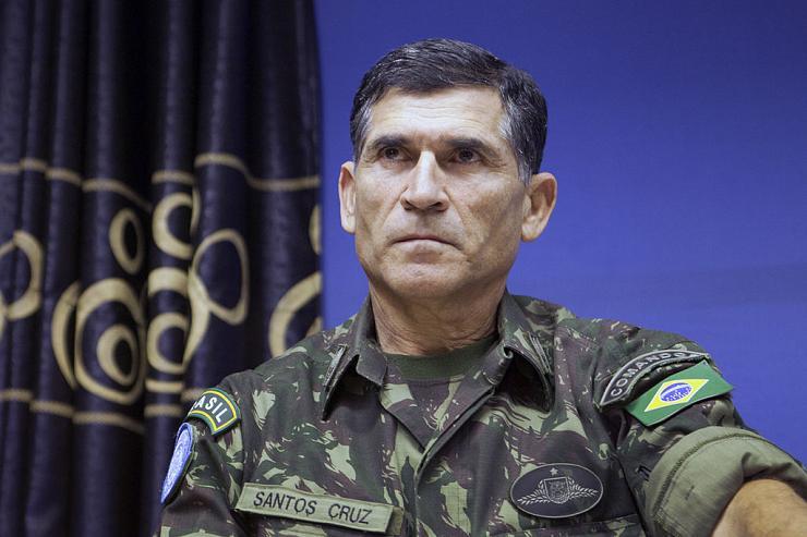 Brésil ministre militaire Carlos Dos Santos
