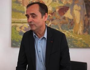 Robert Ménard, dans son bureau à la mairie de Béziers, le 6 novembre 2014. © M.T. / Mediapart