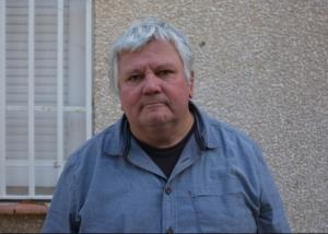 Jean Robert, directeur du centre social Arc-en-Ciel, dans le quartier populaire de la Devèze. © M.T. / Mediapart