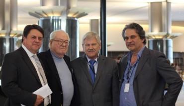 De gauche à droite : Nick Griffin, Jean-Marie Le Pen, Udo Voigt et Roberto Fiore.
