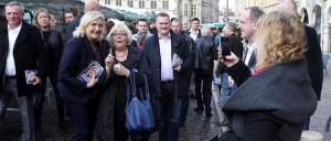 Marine le Pen en campagne dans le Nord Pas de Calais