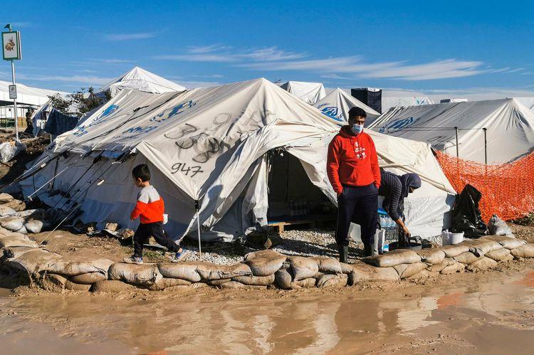 Migrants réfugiés camp à Lesbos face aux inondations Libé 25 décembre 2020