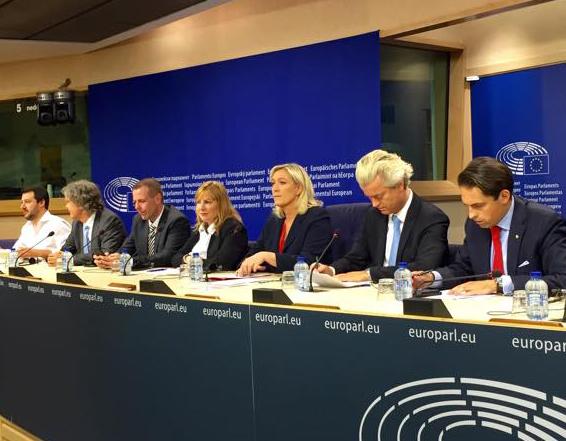 Présentation du Mouvement pour l'Europe des Nations et des Libertés, Parlement européen, 16 juin 2015 © Mouvement pour l'Europe des Nations et des Libertés