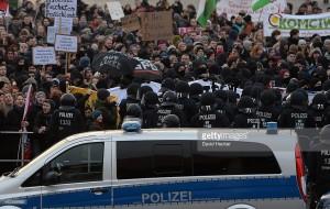 Protestants contre le parti d'extrême droite, Alternative pour l'Allemagne lors de son congrès